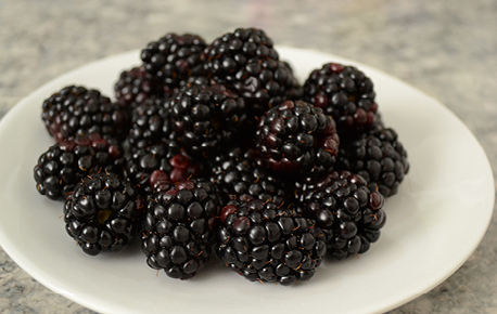 Blackberries can be added to a fruit salad, green salad, cereal, yogurt parfait or just eaten as is.