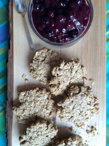 Oatcakes with blueberry sauce